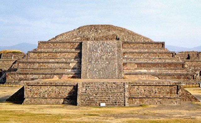 Templo de Quetzalcóatl - serpiente emplumada